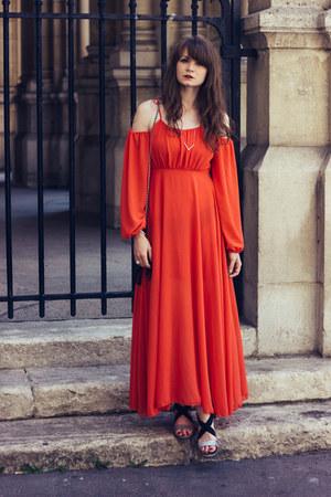ruby red walktrendy dress