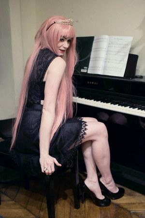 black Derhy dress