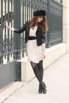 eggshell Derhy dress - black manie heels