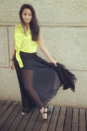 black Guess skirt - lime green Forever21 top