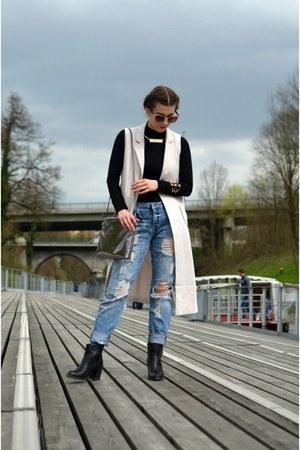 white Boohoo coat - black Primark boots - blue boyfriend jeans New Yorker jeans