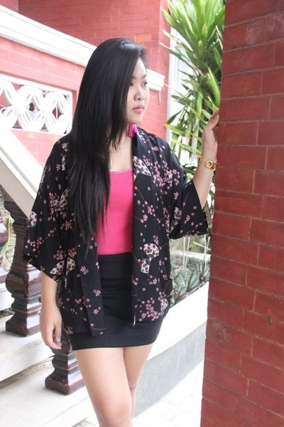 Forever21 cape - maldita skirt - pink maldita top - random brand earrings