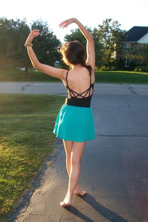 top - Forever 21 skirt