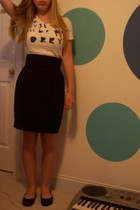 H&M skirt - coldplay t-shirt - Forever 21 shoes - Old chains bracelet