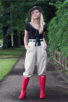 red Hunter boots - off white banana republic pants - black vintage blouse