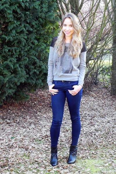 Bershka jeans - Forever 21 sweater - Zara heels