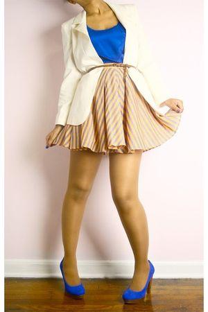 white blazer - blue top - brown belt - blue shoes - orange shirt