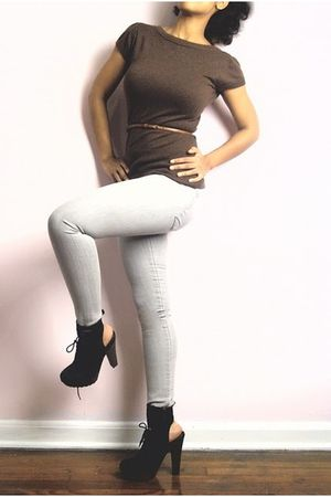 brown sweater - brown Urban Outfitters belt - gray BDG leggings - black sam edel