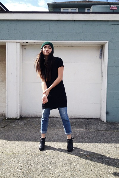 forest green hat - black Topshop dress - sky blue boyfriend jeans thrifted jeans