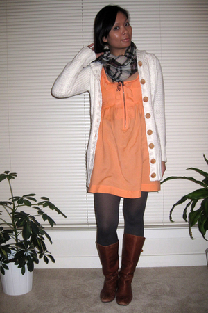 Kimchi&amp;Blue dress - H&amp;M sweater - tights - Roxy scarf - Steve Madden boots