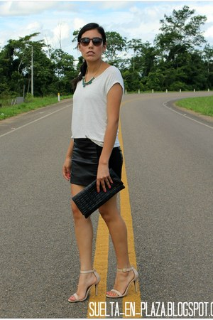 black faux leather kidsmadehere skirt - nude heels Steve Madden sandals