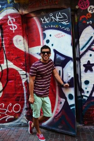 Vans sneakers - denim shorts volcom shorts - Aldo sunglasses