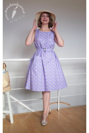 light purple cotton fabric VICTORIA & ALBERT MUSEUM dress