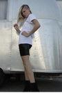 Black-steve-madden-boots-black-cavortress-skirt-white-cavortress-shirt