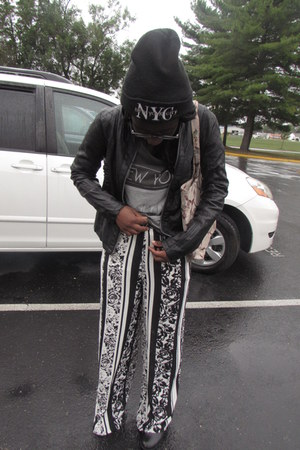 gray flowy Forever 21 pants - Gabes boots - black American Fashion hat