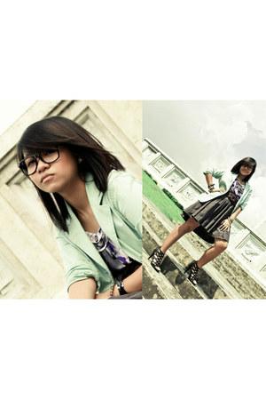 green blazer - grey H&M shirt - strappy heels