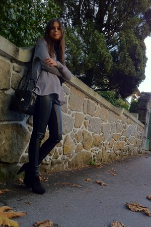 leather Furla bag - black Prof boots - cotton- leather Mango leggings
