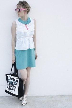 Dinh Van bracelet - Barokines bag - H&M top - Le boudoir de Maria necklace