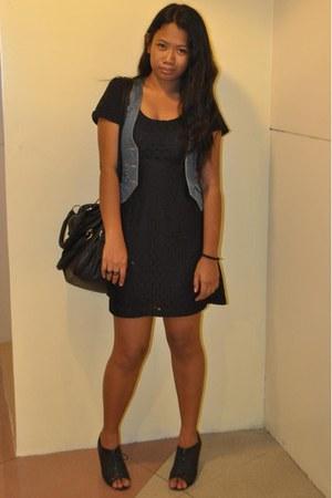 black Parisian shoes - black lace H&M dress - black bag - blue denim landmark ve
