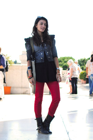 charcoal gray Zara jacket - black Pull and Bear boots - ruby red Bershka jeans