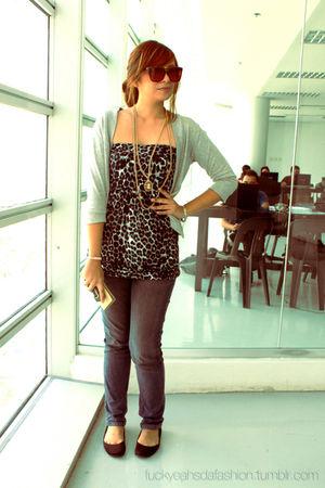 black thrifted blouse - gray Terranova cardigan - Lee pants - black Zara shoes -
