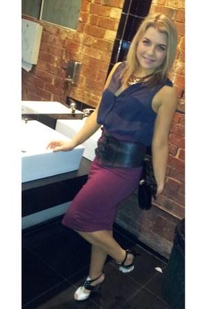 Santini heels - black Alannah Hill bag