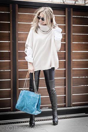 beige Massimo Dutti cape - black Zara leggings