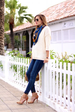 H&M jeans - Mango sweater - Michael Kors bag - Zara heels