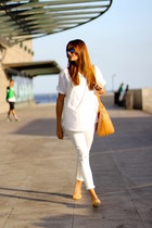 Zara jeans - Zara shirt - optica navarro sunglasses - pull&bear flats