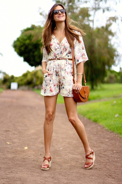 TFNC LONDON romper - Ray Ban sunglasses - Oysho wedges