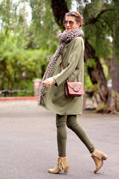 Sheinside jacket - istome boots - Mango scarf - Guess bag - Guess sunglasses