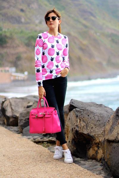 Mr Gugu & Miss Go sweater - Ray Ban sunglasses - Adidas sneakers - Zara panties