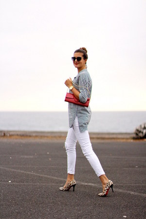 walktrendy shirt - pull&bear jeans - Guess bag - Chanel sunglasses