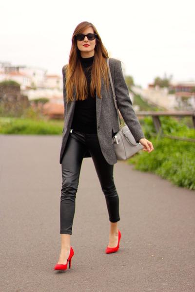 Stradivarius leggings - Zara blazer - Michael Kors bag - Bershka heels