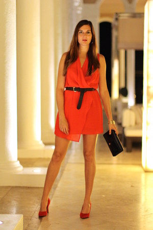 walktrendy dress - Bershka heels - Stradivarius belt