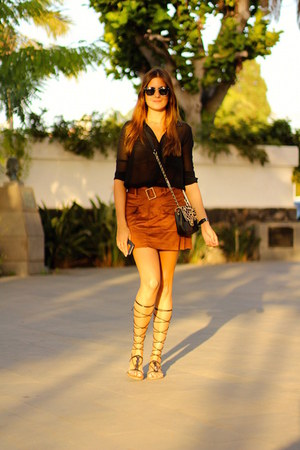 Zara skirt - Mango sandals - Zara blouse - Daniel Wellington watch