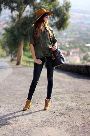 Bershka boots - Bershka jeans - Sheinside shirt - Zara bag