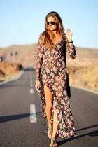 Sheinside dress - Ray Ban sunglasses - Stradivarius sandals