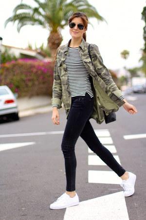 Zara jeans - Zara shirt - Mango bag - Adidas sneakers - Bershka t-shirt