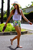 Stradivarius shorts - Zara blouse - Stradivarius sandals
