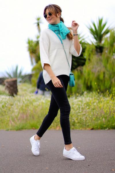 Mango sweater - Zara scarf - Ray Ban sunglasses - Adidas sneakers