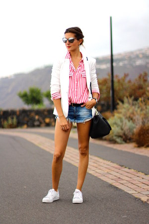 Zara shirt - Guess bag - bulgari sunglasses - Adidas sneakers