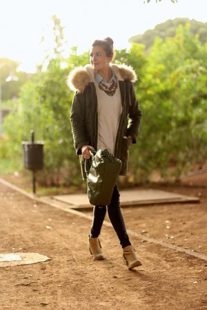 istome boots - Sheinside coat - Zara sweater - Bershka panties