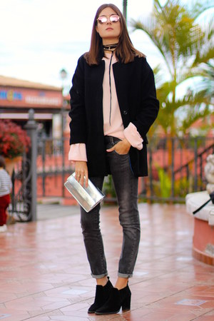 Zara boots - Zara sweater - Guess bag - Ray Ban sunglasses