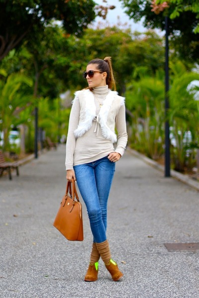 Zara vest - Neon Boots boots - Stradivarius sweater