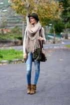 natura bag - Zara boots - Stradivarius jeans - natura vest