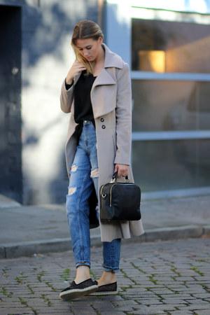 camel wool NUSUM coat - navy boyfriend Zara jeans - black oversized Zara sweater