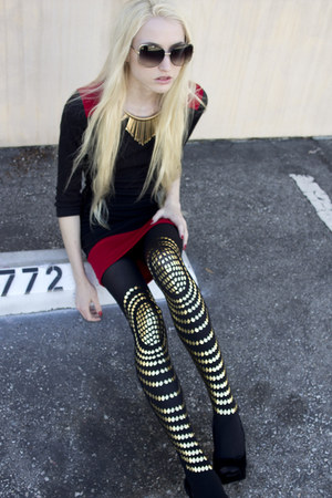 Forever 21 necklace - red Forever 21 dress - gold Daddy Long Legz tights