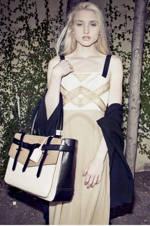 tan Rag and Bone dress - beige Reed Krakoff bag - off white Tiffany & Co earring