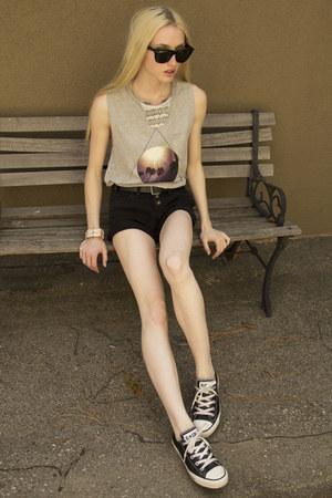 Shoppalu necklace - Lamb and Flag shirt - Levis shorts - Ray Ban sunglasses